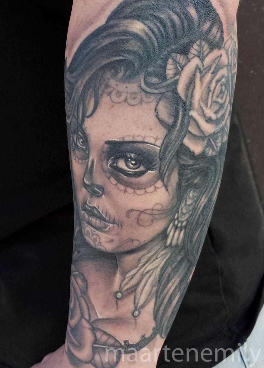 beautifully white ink highlighted diaz de los muertos