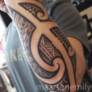 freehand poly arm design by maarten
